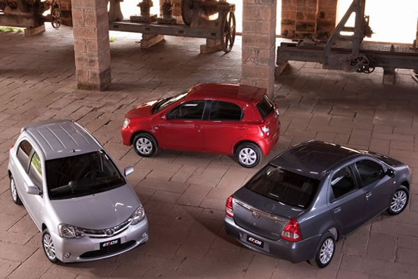Toyota lança Etios a partir de R$ 29.990; veja fotos e detalhes