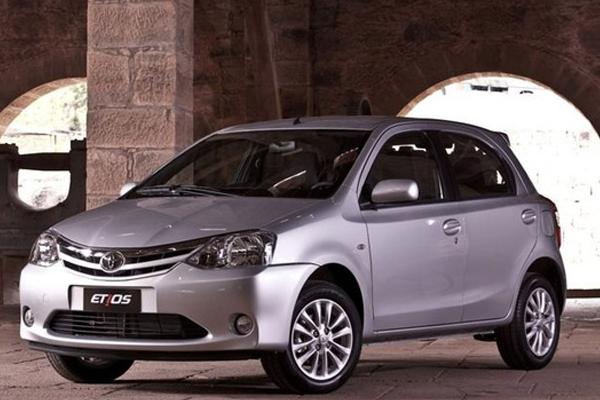 Novo Toyota Etios 2014 chega com interior mais sofisticado