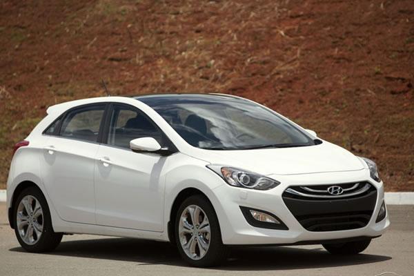 Hyundai i30 já está sendo vendido no Brasil em cor branca